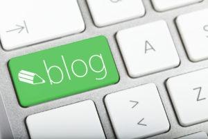 teclado con tecla blog en verde