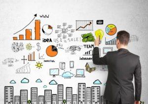 hombre desarrollando estrategias de lean marketing