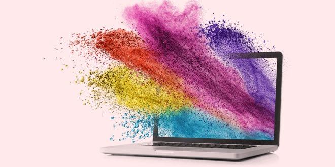 colores saliendo de laptop en sitio web